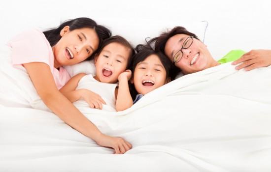 smiling-teeth-family-550x350